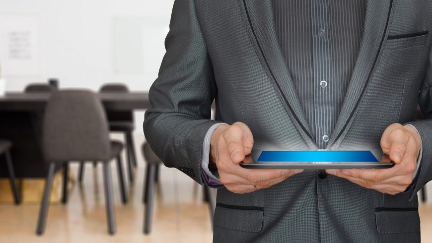 La importancia de los detalles y protocolos en la atención al cliente en despachos de abogados